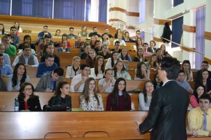 danilet-studenti-dimitrie-cantemir-clujust-7-e1459597756207
